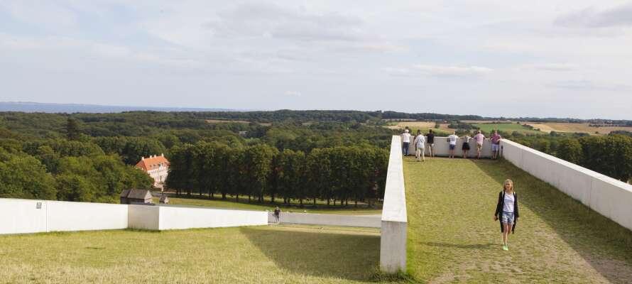 Besök Moesgaardmuseet och få en kulturhistorisk museumsupplevelse i ett vackert naturområde.