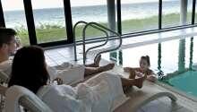 Som gäst på Helnan Marselis Hotel kan du fritt använda poolen, bastun och gym.