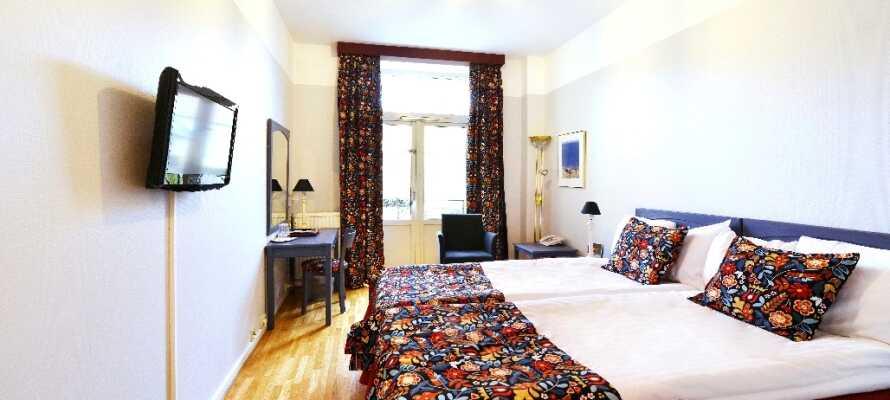 Få en god nats søvn på hotellet efter at have indåndet den friske havluft hele dagen.