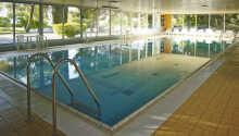 Den flotte indendørs swimmingpool på Hotel Haliaetum