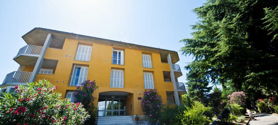 I kommer til at bo på et af fire annekser i det berømte San Simon Resort i Slovenien.