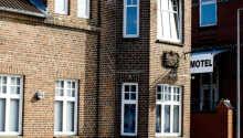 Das Hotel liegt im Zentrum von Tønder.