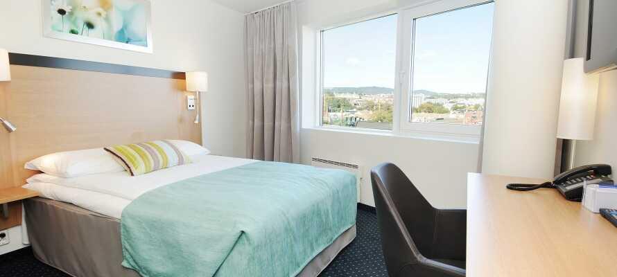Rummen är behagligt inredda och här kan ni få en god natts sömn efter en spännande dag i Oslo.