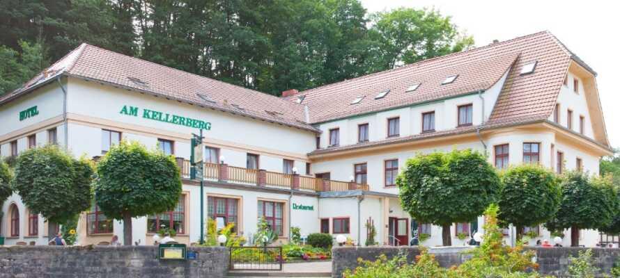 Hotel am Kellerberg tilbyder en skøn beliggenhed i grønne omgivelser, som emmer af tysk landidyl.