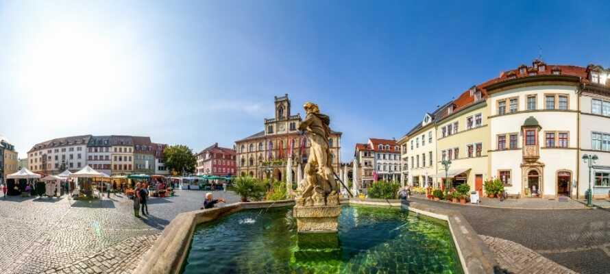 Kør en tur til den smukke tyske by, Weimar, som byder på masser af kultur, historie shopping og sightseeing.