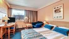 Bo komfortabelt på hotellets fine rom.
