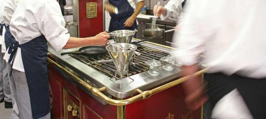 Kjøkkenet er av internasjonal klasse, og har stort fokus på bruken av årstidens beste råvarer.