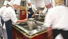 Nyd masser af god mad af høj kvalitet. Køkkenet er kroens stolthed.