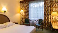 Hotellets innbydende rom er innredet i behagelige farger
