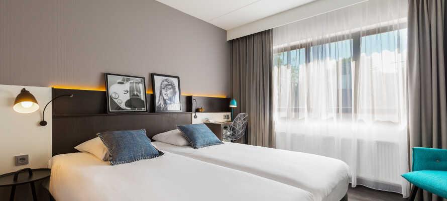Dere kan slappe av på hotellets rom etter en opplevelsesrik dag i Nederland.