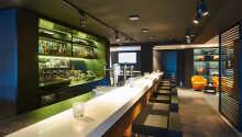 Hotellet har en bar och lobby där ni kan införskaffa förfriskningar eller snacks.