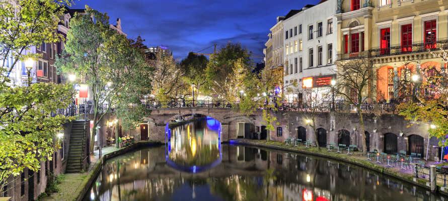 Dette hotel ligger lige udenfor den smukke kanalby Utrecht og tilbyder et suverænt udgangspunkt for at opleve Holland.