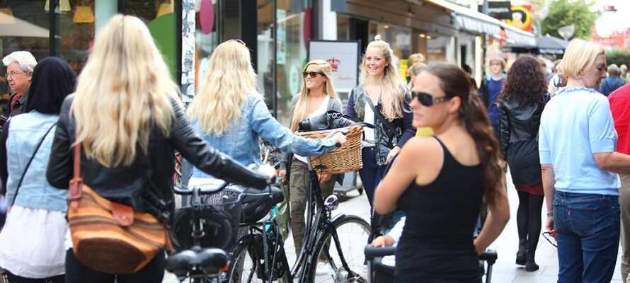 Ålborg har många shoppingmöjligheter både i staden och i flera shoppinggallerior.