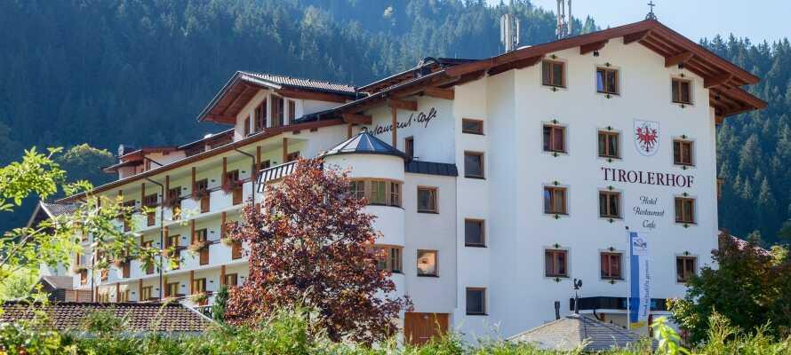 Hotel Tirolerhof har en meget naturskjønn beliggenhet i Wildschönau, i hjertet av de tyrolske alpene.