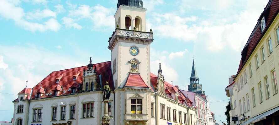 Nyt en spasertur i den gamle bydelen i Güstrow, hvor dere finner hyggelige smug og utallige vakre bygninger.
