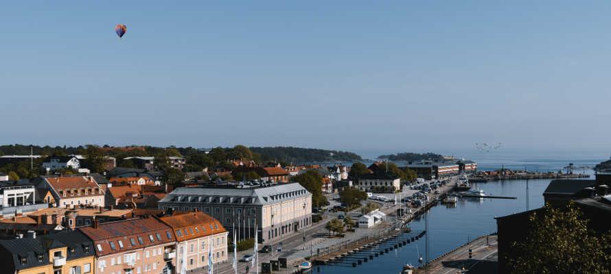 Im Zentrum von Karlshamn können Sie shoppen, essen oder es sich in einem Café gemütlich machen.