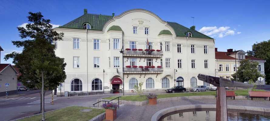 Moderna CC Hotel Post ligger mitt i centrala Oskarshamn, som erbjuder småstadsidyll omgiven av vacker natur.