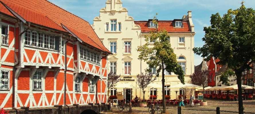 Den hyggelige, gamle hansestad Wismar ligger kun en kort køretur fra Schwerin.