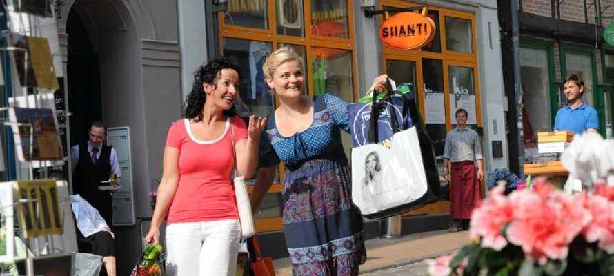 Schwerin centrum byder på Shopping, cafeer, restauranter, hygge og bystemning