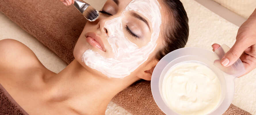 Skulle du ønske å skjemme deg bort litt ekstra, er det mulig å bestille massasje og skjønnhetsbehandlinger.