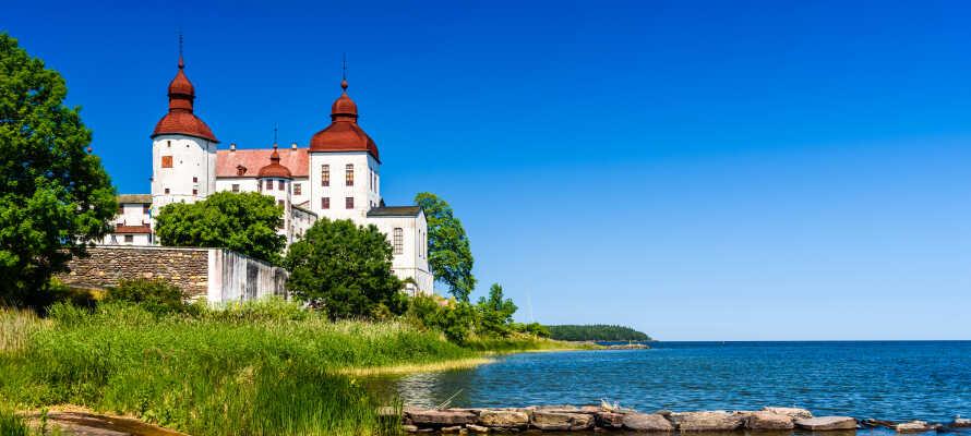 Machen Sie einen Familienausflug zum wunderschönen Schloss Läckö, das sich auf einem Felsvorsprung am Vänernsee befindet.