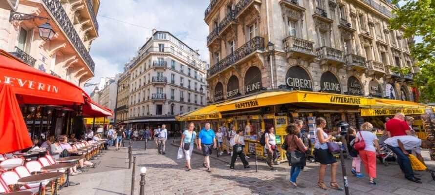 Latinkvarteret är fyllt av vackra gator och här ligger både universitetet Sorbonne och många restauranger.