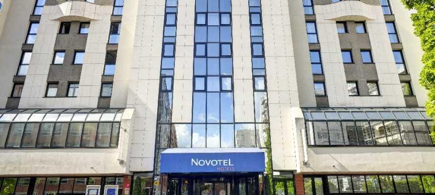 Från Novotel Paris har ni endast 100 meter till kollektivtrafik för att ta er till centrum.