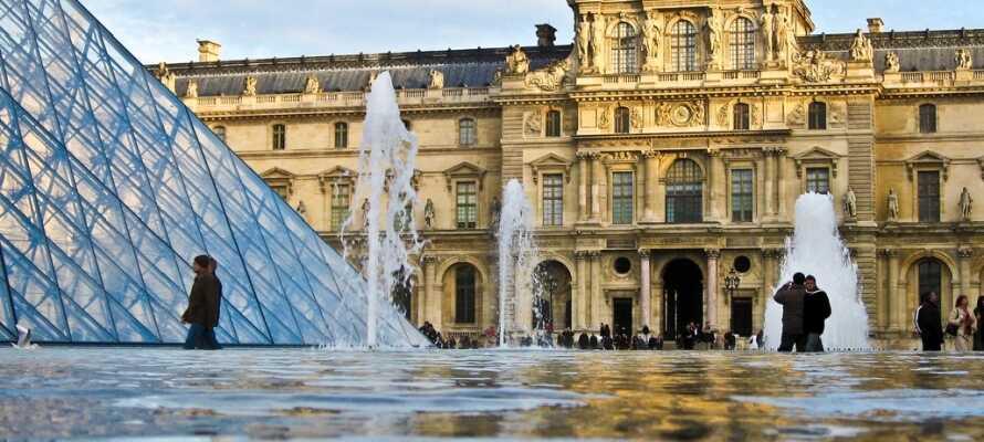 Et av verdens mest berømte museer, Louvre, ligger i vidunderlige bygninger og er et must å besøke.