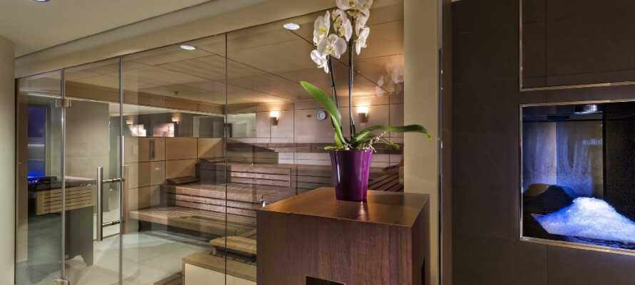 På hotellet har ni tillgång till både bastu och gymfaciliteter.