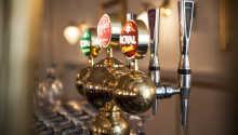 Rund en dejlig dag af med en drink i baren