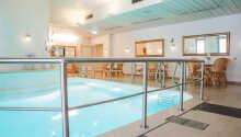 Hotellet har en liten pool