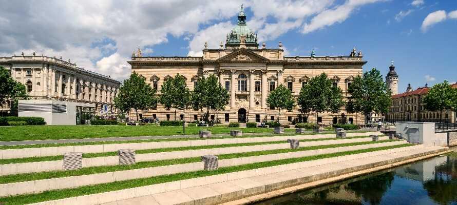 Det finns många vackra gamla byggnader i Leipzig, som den imponerande domstolsbyggnaden.