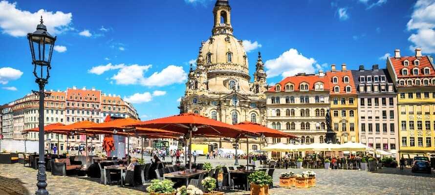 Dresden ist die Hauptstadt Sachsens. Sie ist eine der ältesten Kulturstädte Deutschlands, die einen Tagesausflug von Leipzig entfernt ist.