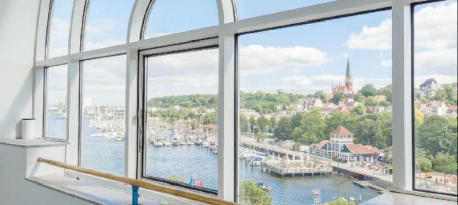 Flensburg er en hyggelig handelsby, hvor det er et hav av gode shoppingmuligheter til lave priser.