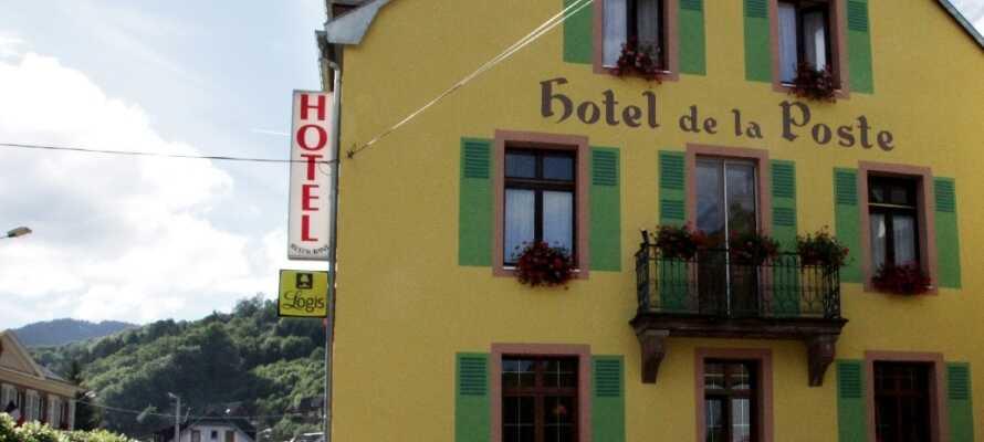 Hotellet ligger vackert beläget i bergskedjan Vogeserne i Alsace nära vackra bergsjöar och traditionella byar.