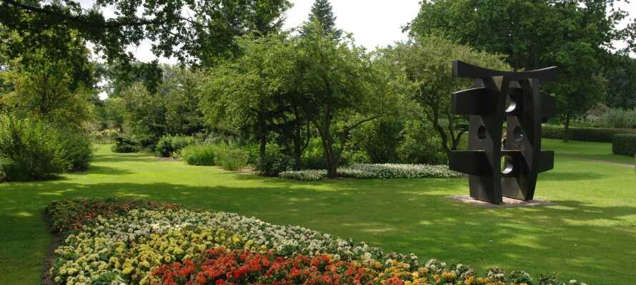 Gå en tur i Geografisk Have, hvor I også kan besøge den charmerende attraktion Kolding Miniby.