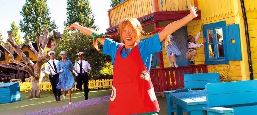 Besök fantastiska Astrid Lindgrens Värld, där alla i familjen får en härlig dag.