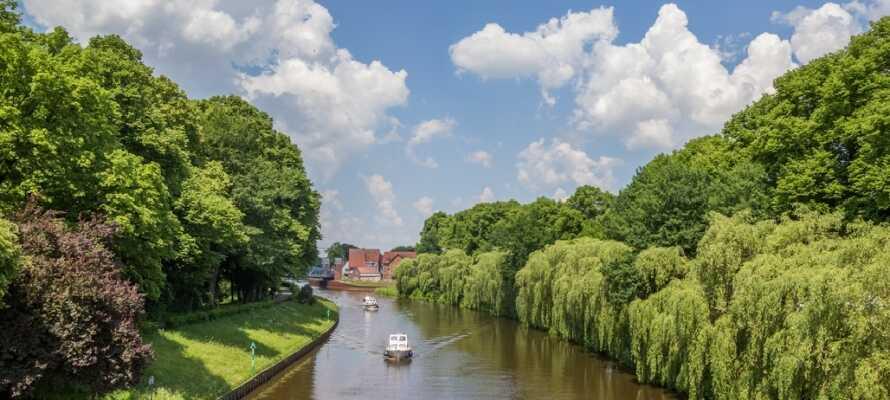 Regionen Emsland bjuder på många valmöjligheter av vackra naturupplevelser både på vattnet och på land.