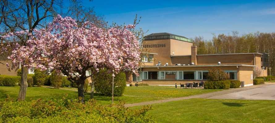 Hotel Nørherredhus er et sjarmerende hotell, med en fin beliggenhet i Nordborg på Als - den vakre grønne øya.