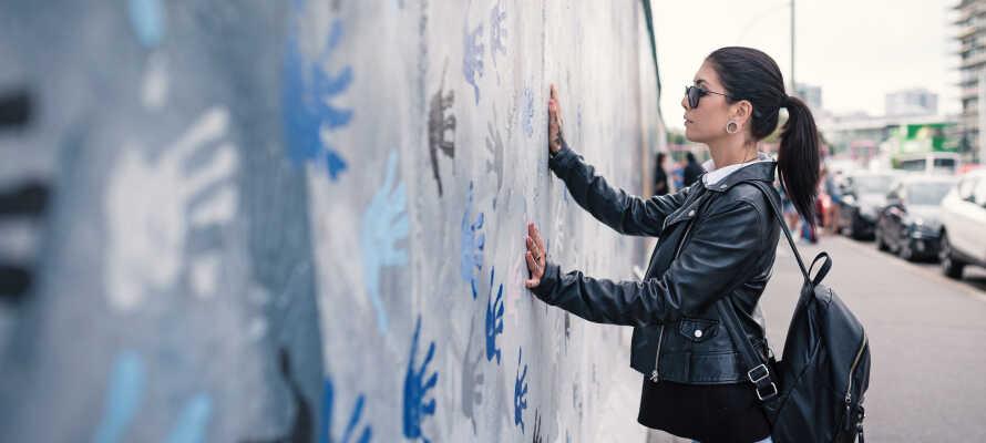 Opplev alle Berlins historiske kjennetegn, slik som Berlinmuren, Riksdagen og Brandenburger Tor.