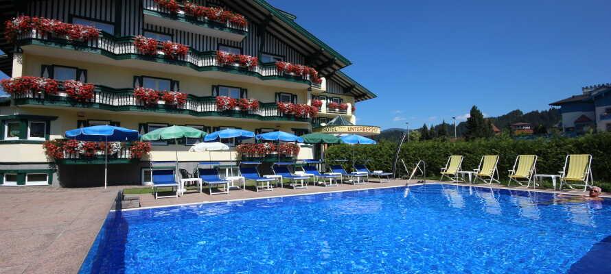 Hotellet har både et lekkert utendørs svømmebasseng, wellness, sauna og fitness.
