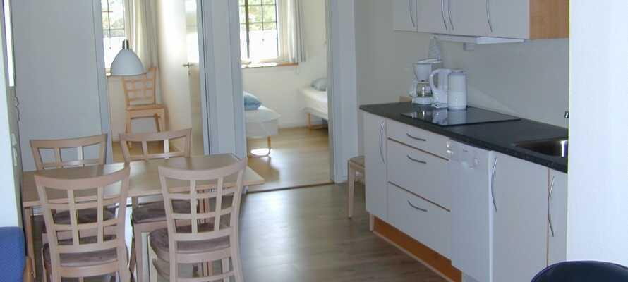 Lägenheterna är moderna och välutrustade med eget kök där ni har här möjlighet att laga er egen mat.