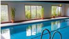 Under opholdet har I fri adgang til indendørs pool, sauna og fitness