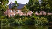 Hotel Pelli Hof Rendsburg är beläget i den trevliga staden Rendsburg, som är mest känd för sin gamla järnvägsbro.
