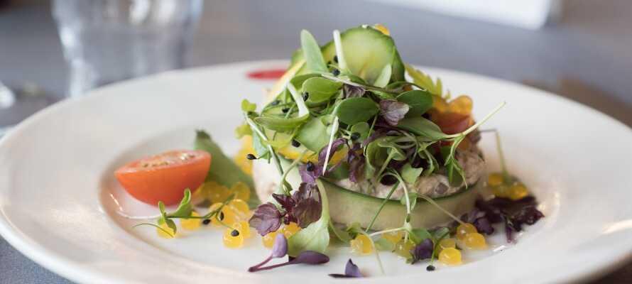 I Herning hittar du många bra shoppingmöjligheter och du kan äta lunch och middag på hotellet.