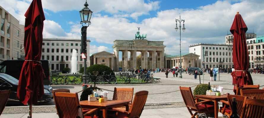 Brandenburger Tor er den siste bevarte byporten i Berlin og er byens imponerende varemerke.