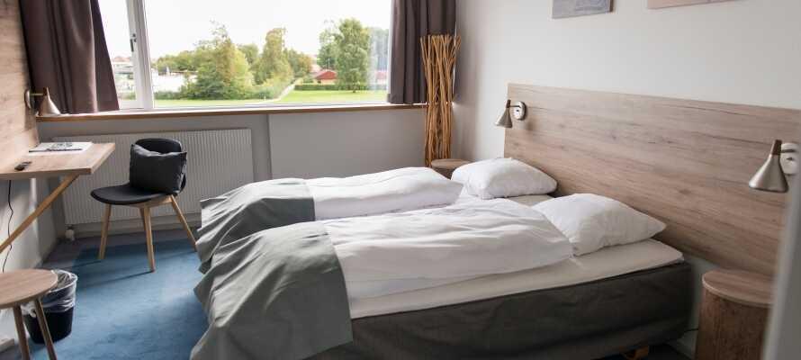 I vil hurtigt føle Jer hjemme og godt tilpas i de moderne værelser.