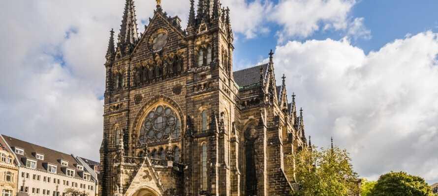 I Leipzig finner dere flere forskjellige kirker, som alle er utrolig vakre byggverk, som kan fortelle en spennende historie.