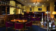 Hotellet erbjuder 101 eleganta och bekvämt inredda rum.