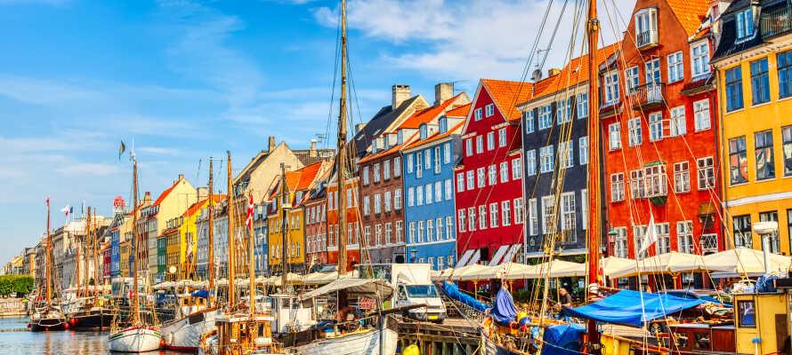Besuchen Sie den Vergnügungspark Tivoli, flanieren sie durch Strøget oder genießen Sie  einen Aperitif am Nyhavn Hafen.